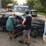 В столице грузовик врезался в легковушку: женщина-водитель оказалась заблокированной (ФОТО, ВИДЕО)