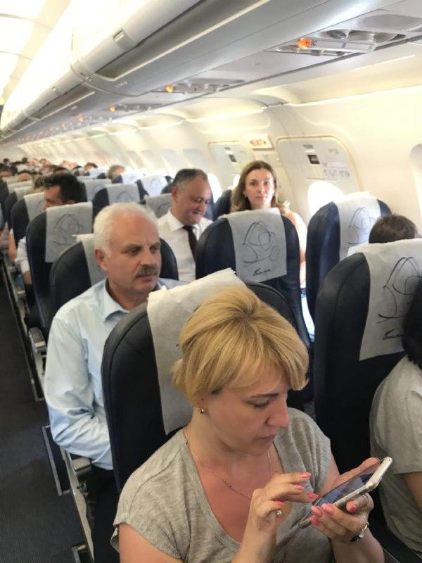 После переговоров с Путиным Додон возвращается эконом-классом в Молдову (ФОТО, ВИДЕО)