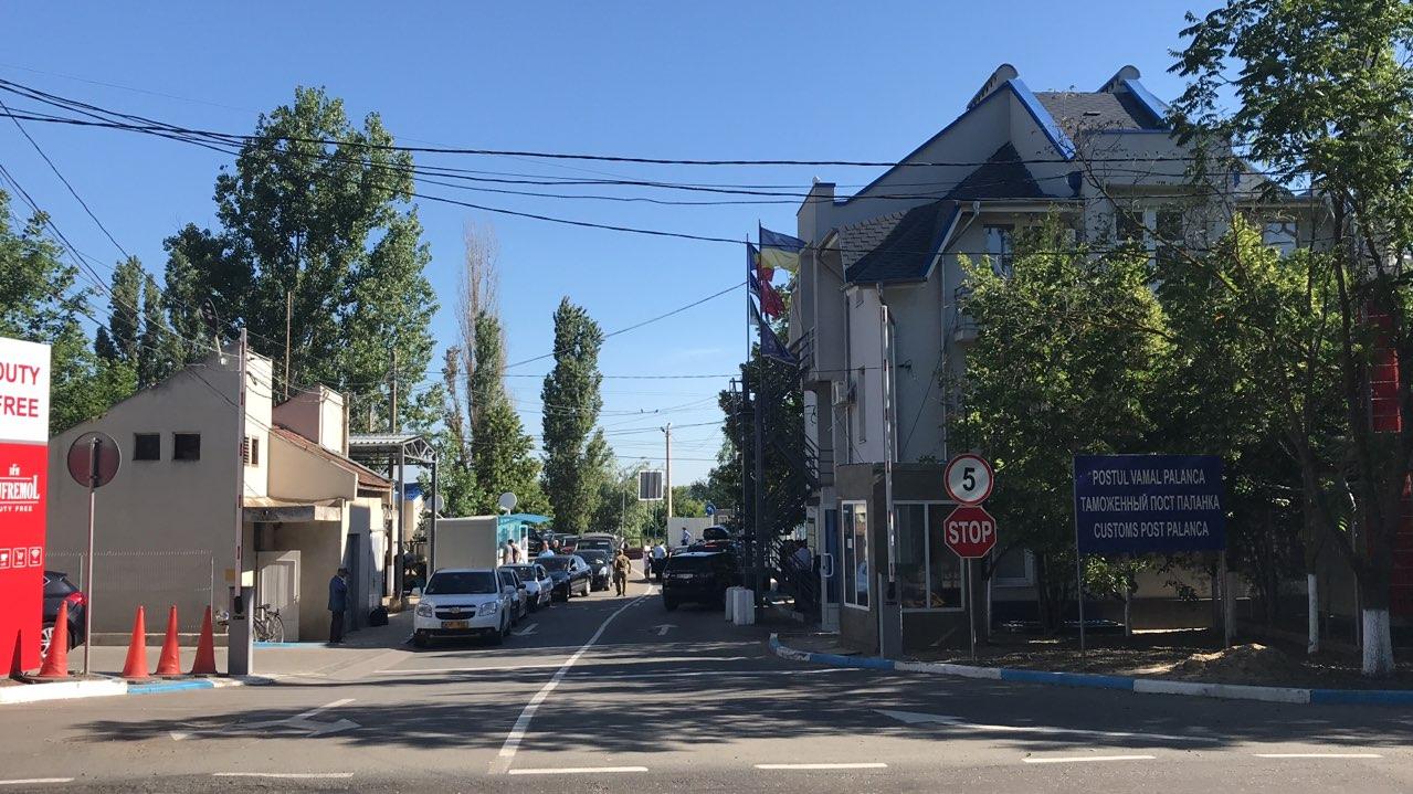 """Внимание, водители! КПП """"Паланка"""" приостановит свою деятельность в пятницу"""