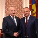 Додон поздравил Лукашенко с днем рождения