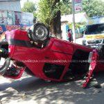 В Бельцах машина перевернулась при ДТП: один человек госпитализирован
