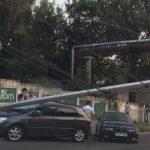 В Кишиневе при столкновении двух автомобилей пострадал столб (ФОТО)