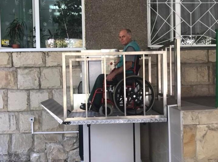 В Кишиневе благодаря усилиям социалистов появляются лифты для лиц с ограниченными возможностями (ФОТО, ВИДЕО)