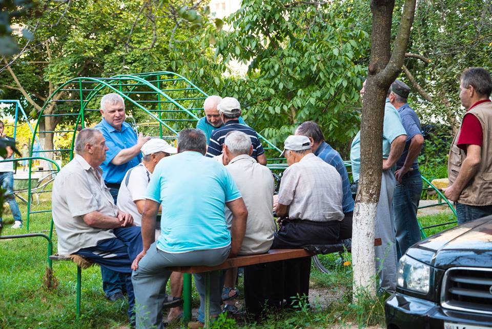 Вместо развалин – детская площадка: проекты социалистов достигают самых отдаленных дворов Кишинева