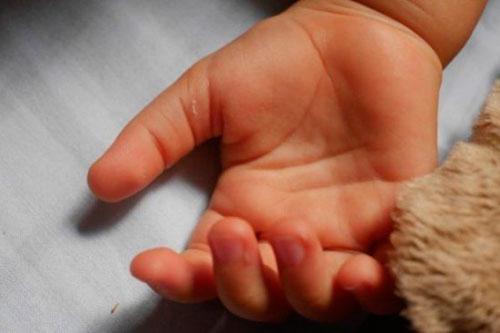 В Приднестровье 3-летняя девочка скончалась, отравившись дымом от тлеющего дивана