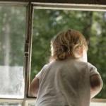 В Приднестровье от падения спасли пьяную женщину и двух детей