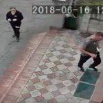 Полиция ищет авторов необычного преступления: два пассажира такси ограбили третьего на глазах у самого водителя (ВИДЕО)