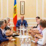 Впервые в истории Молдовы: Додон пригласил на встречу в День независимости всех президентов, премьеров и спикеров страны