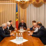 Додон на встрече с бывшими главами КС обсудил действия нынешних властей, подрывающие конституционные основы РМ (ФОТО)