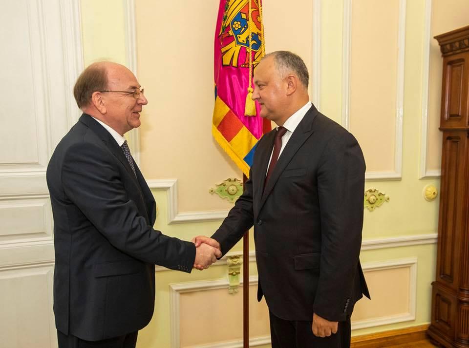 Додон в первый раз встретился с новым послом России в Молдове (ФОТО)