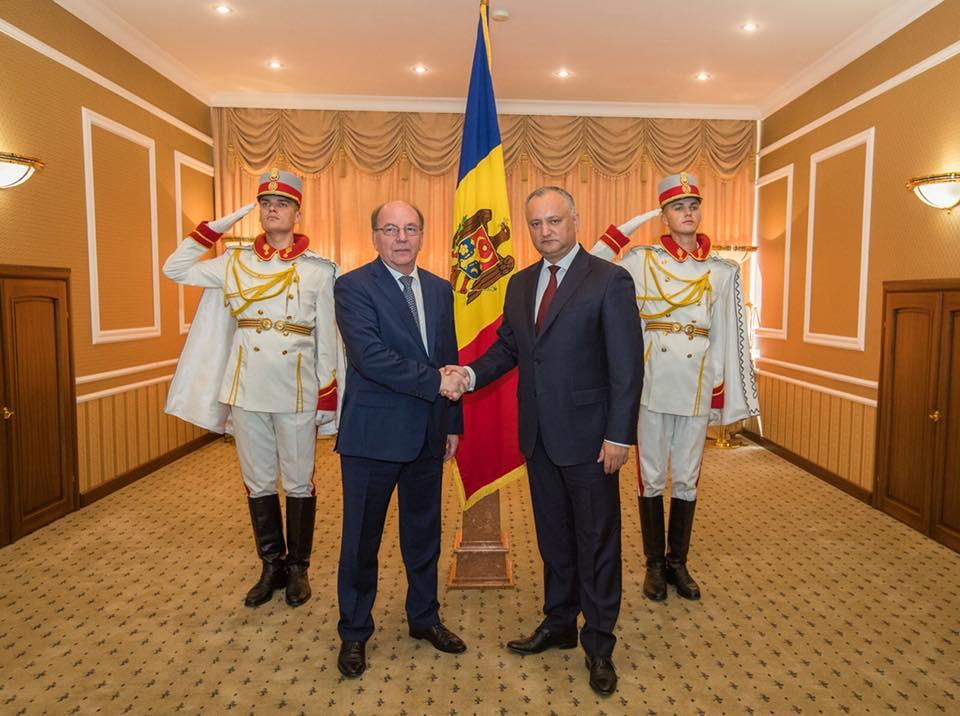 Додон принял верительные грамоты нового посла России в Молдове