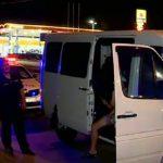 Пойманный пьяным за рулем в Кишиневе водитель устроил спектакль полицейским (ВИДЕО)
