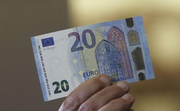 Евро подешевеет на 10 банов