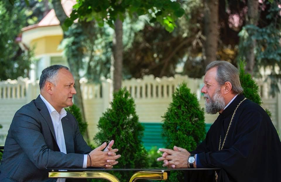 Додон обсудил с Митрополитом Владимиром предстоящий визит в Молдову Патриарха Кирилла (ФОТО)