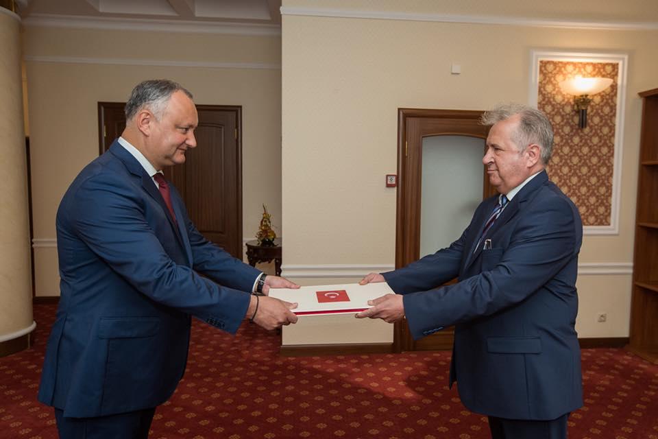 Додон обсудил предстоящий визит Эрдогана с новым послом Турции в Молдове (ФОТО)