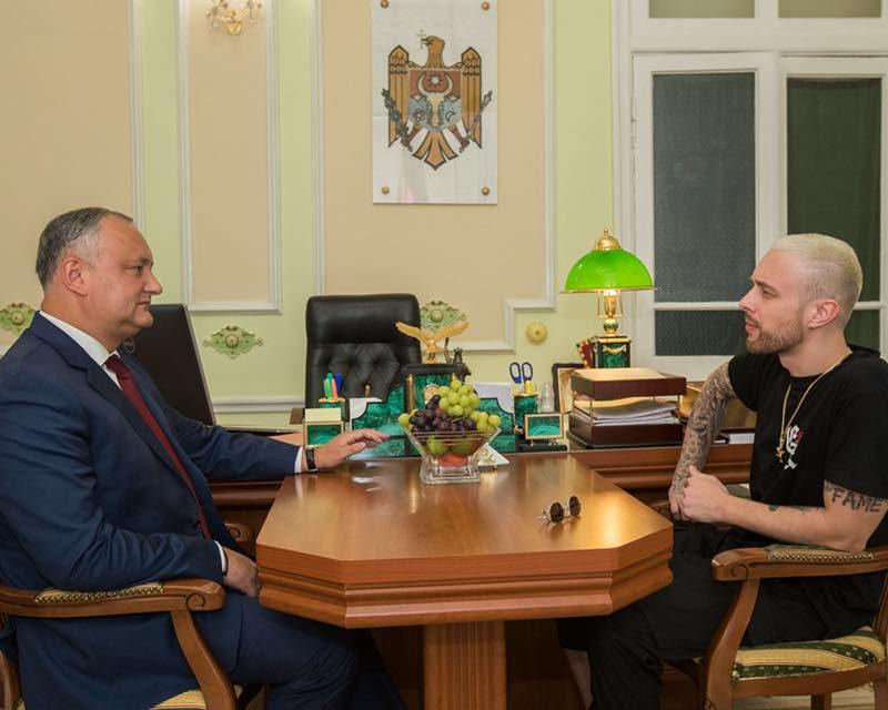 Додон встретился с прибывшим с концертом в Молдову Егором Кридом (ФОТО)