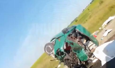 Обнародовано видео с места страшной аварии в России, в которой погибли 6 молдаван