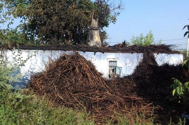 В Оргееве женщина с двумя детьми осталась без крыши над головой из-за пожара