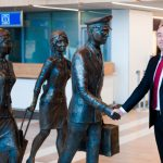 В Международном Аэропорту Кишинева появилась скульптура «Экипаж» (ФОТО)