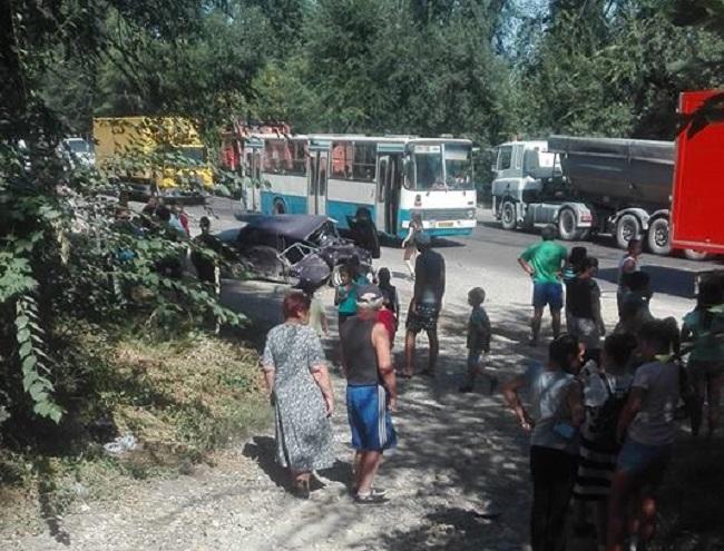 Серьезная авария на улице Мунчештской: один человек в больнице (ВИДЕО)