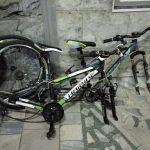 Задержаны двое подозреваемых в краже велосипедов в столице: один – несовершеннолетний (ВИДЕО)