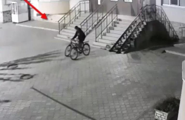 Молодой человек промышлял в Кишиневе кражей велосипедов (ВИДЕО)
