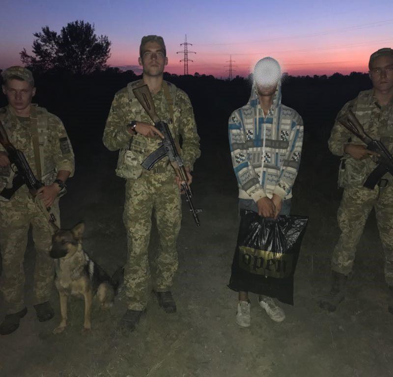 Нелегала из Молдовы задержали на границе Украины с Венгрией