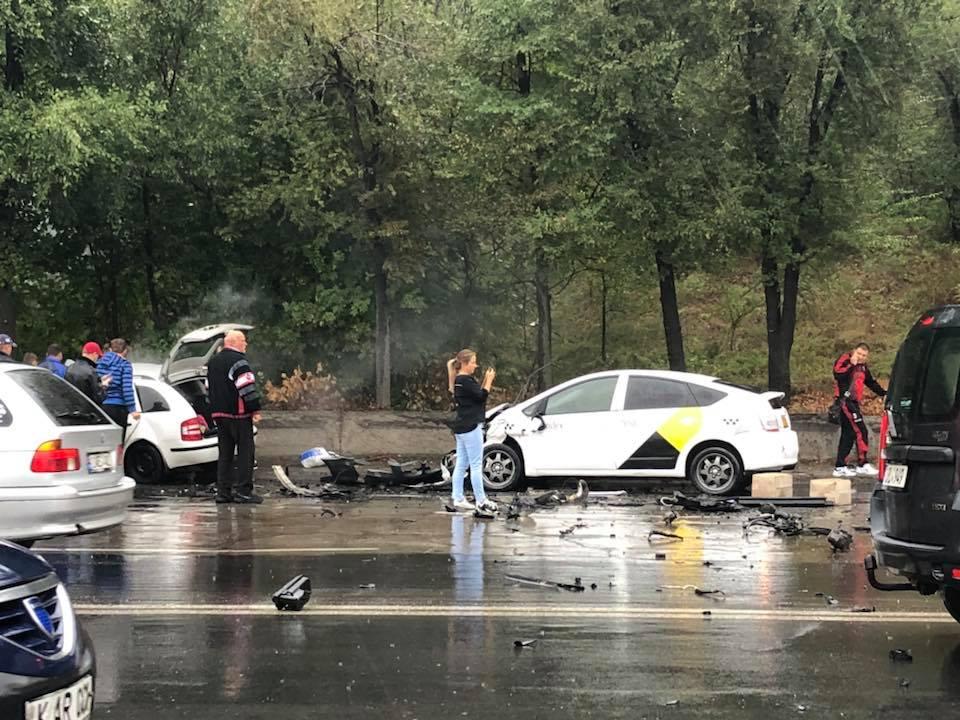 ДТП в Кишиневе: водитель одной из машин оказался заблокирован (ФОТО)