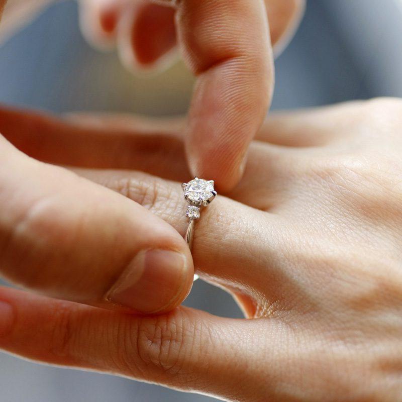 Покупательницу некачественного золотого кольца обвинили в его неправильном использовании