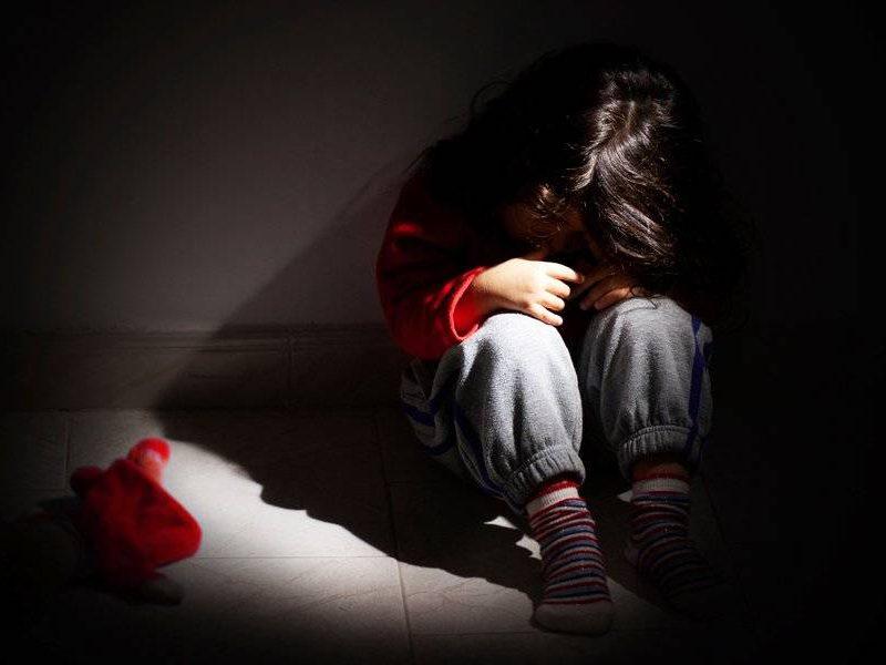 Шокирующий случай в Фэлештах: 11-летнюю девочку изнасиловали трое ее приятелей (ВИДЕО)