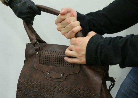 В Кишиневе две женщины пострадали от наглых воров (ВИДЕО)