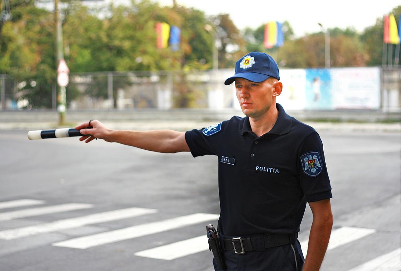 Пойманный пьяным за рулем водитель попытался подкупить патрульного