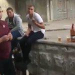 """""""Культурную"""" молодежь засняли за распитием пива прямо в центре Кишинева (ВИДЕО)"""