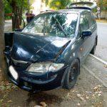 ДТП в Тирасполе: водитель не справился с управлением и врезался в дерево (ФОТО)