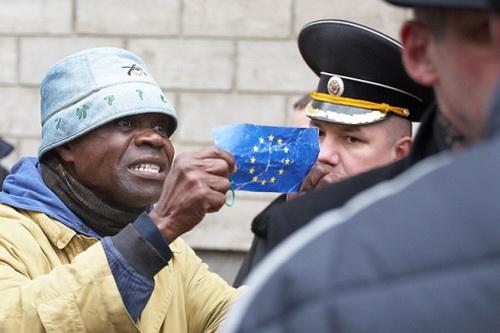 Одним меньше: Джон Оноже получил политическое убежище в Бельгии как гражданин Молдовы (ВИДЕО)