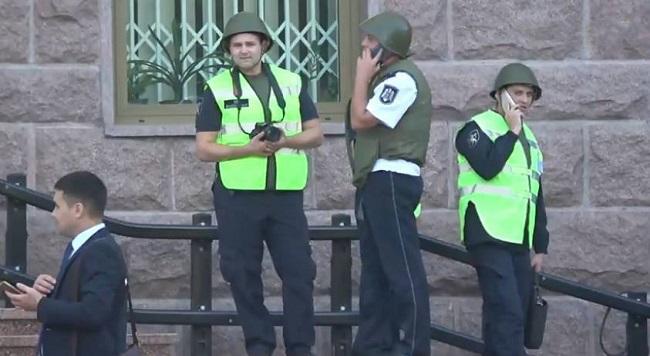 Автор ложного сообщения о бомбе в здании парламента задержан полицией