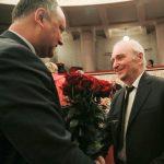 Додон поздравил с юбилеем известного молдавского писателя Иона Друцэ