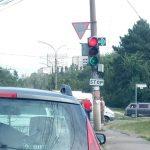 """""""Нерешительный"""" светофор обнаружили на оживленном перекрестке (ФОТО)"""