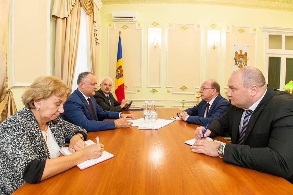 Додон обсудил предстоящий Молдо-российский экономический форум с российским послом