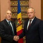 Додон - послу США: Молдова должна дружить со всеми, а не вместе против кого-то