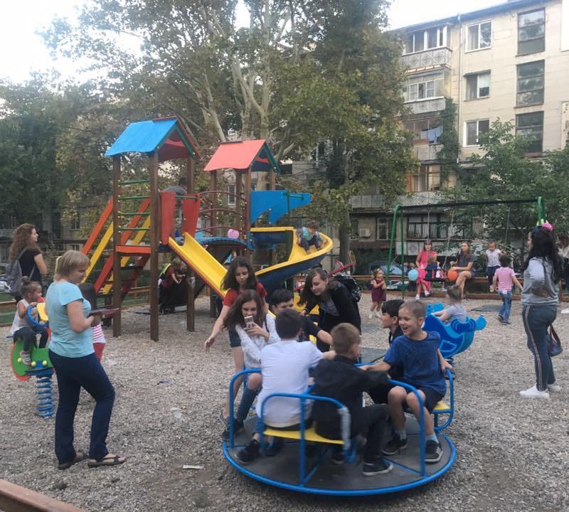На Ботанике стараниями социалистов открыли еще одну детскую площадку