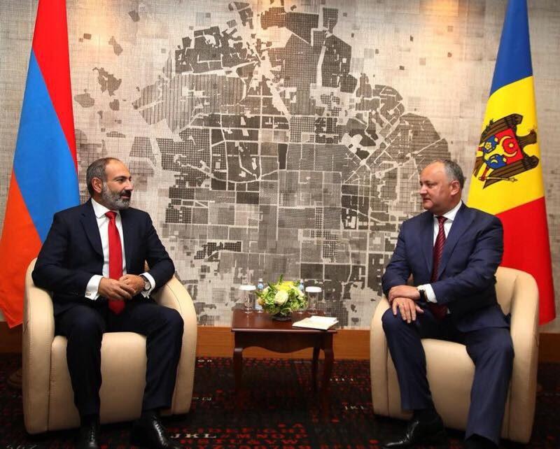 Додон поздравил руководство и народ Армении с Днем независимости этой страны