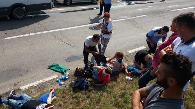 Микроавтобус с молдаванами попал в жуткое ДТП в Румынии (ФОТО)