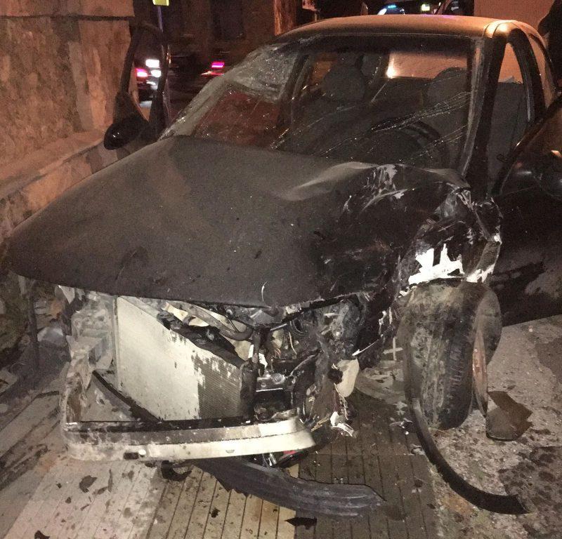 Серьезная авария в центре столицы: столкнулись два автомобиля (ФОТО)