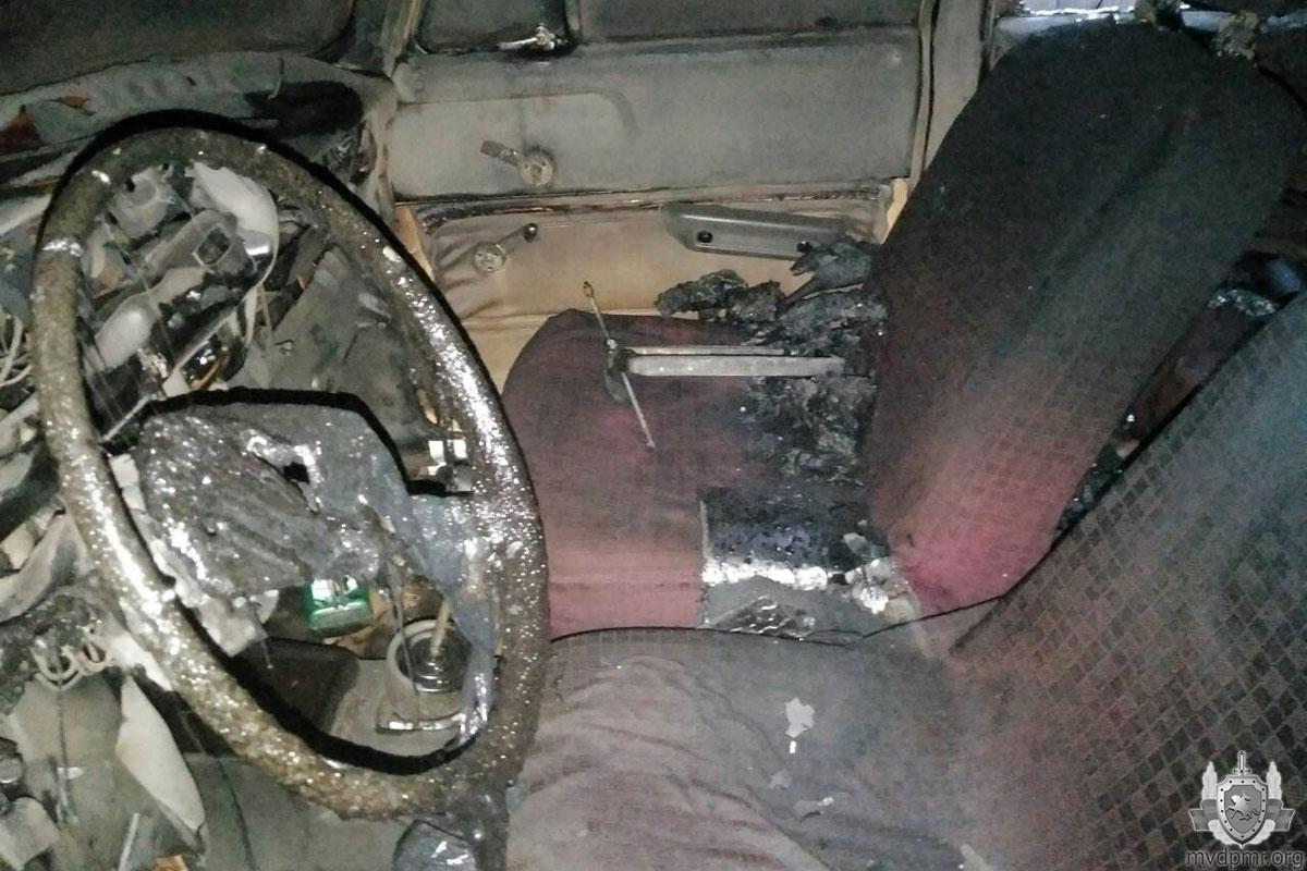 Детская шалость стала причиной серьезного пожара в гараже в Бендерах (ФОТО)