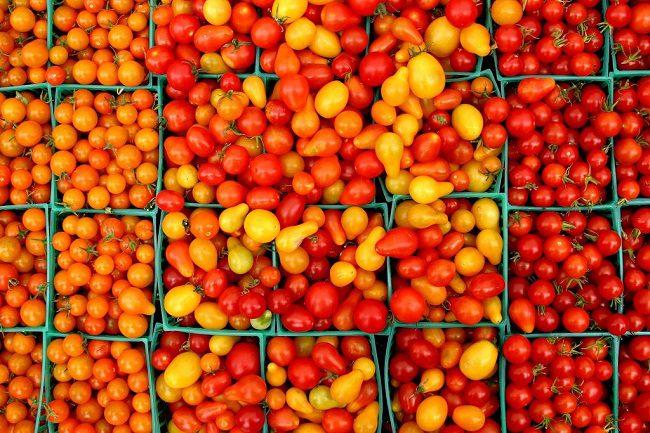 Дело «помидор черри»: за съеденный с прилавка магазина томат жителю столицы придётся заплатить 1 500 леев штрафа (ВИДЕО)