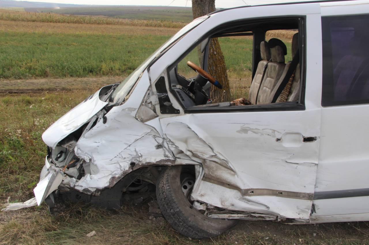 Серьезное ДТП в Дрокиевском районе: машины оказались всмятку (ФОТО)