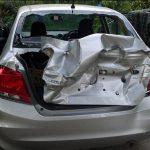 В Рыбнице мужчина разбил припаркованный во дворе автомобиль соседа