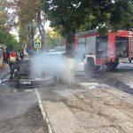 В Кишиневе этим утром загорелся автомобиль (ВИДЕО)