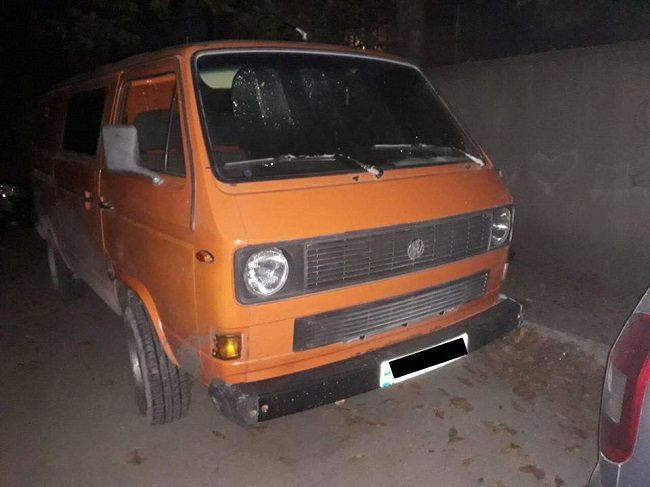 В Кишинёве 15-летний автовор проехался на чужом фургоне несколько километров и оказался в полиции (ВИДЕО)